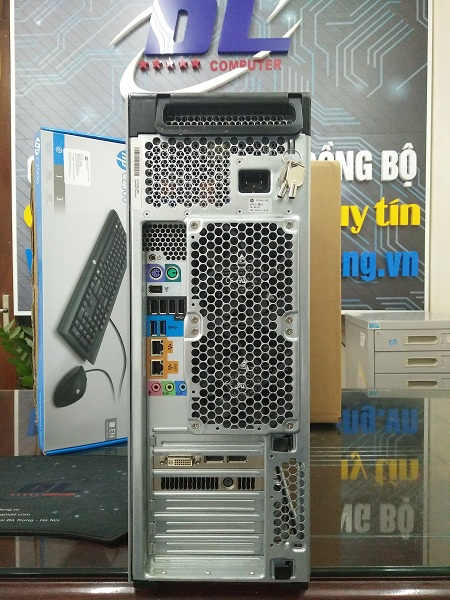 Hp Workstation z620/ Xeon E5-2665, SSD 120G, VGA 2000, DRam3 16Gb, HDD 500Gb